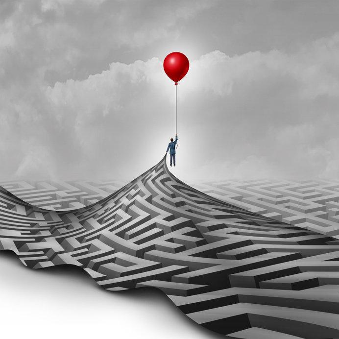 balloon-over-maze