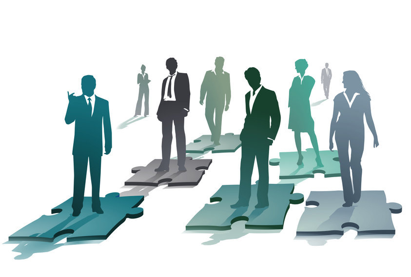 businesspeople-puzzle-pieces