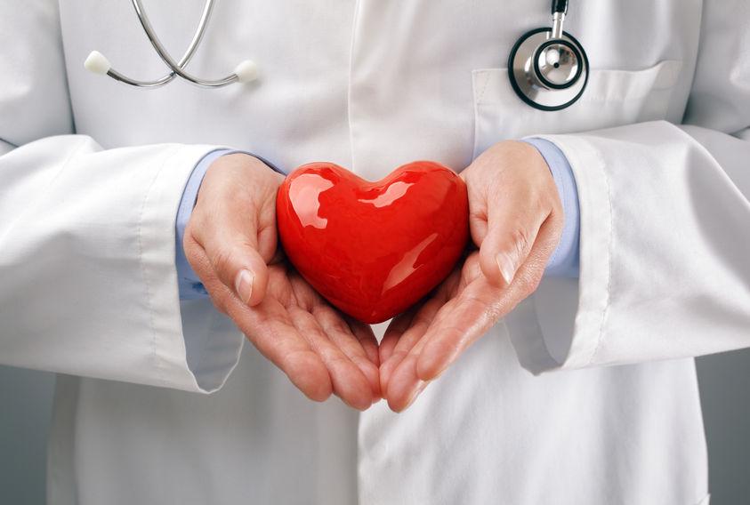 doctor-holding-heart