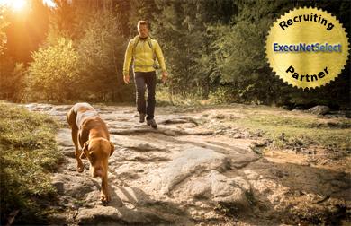 execunetselect-man-dog-hiking