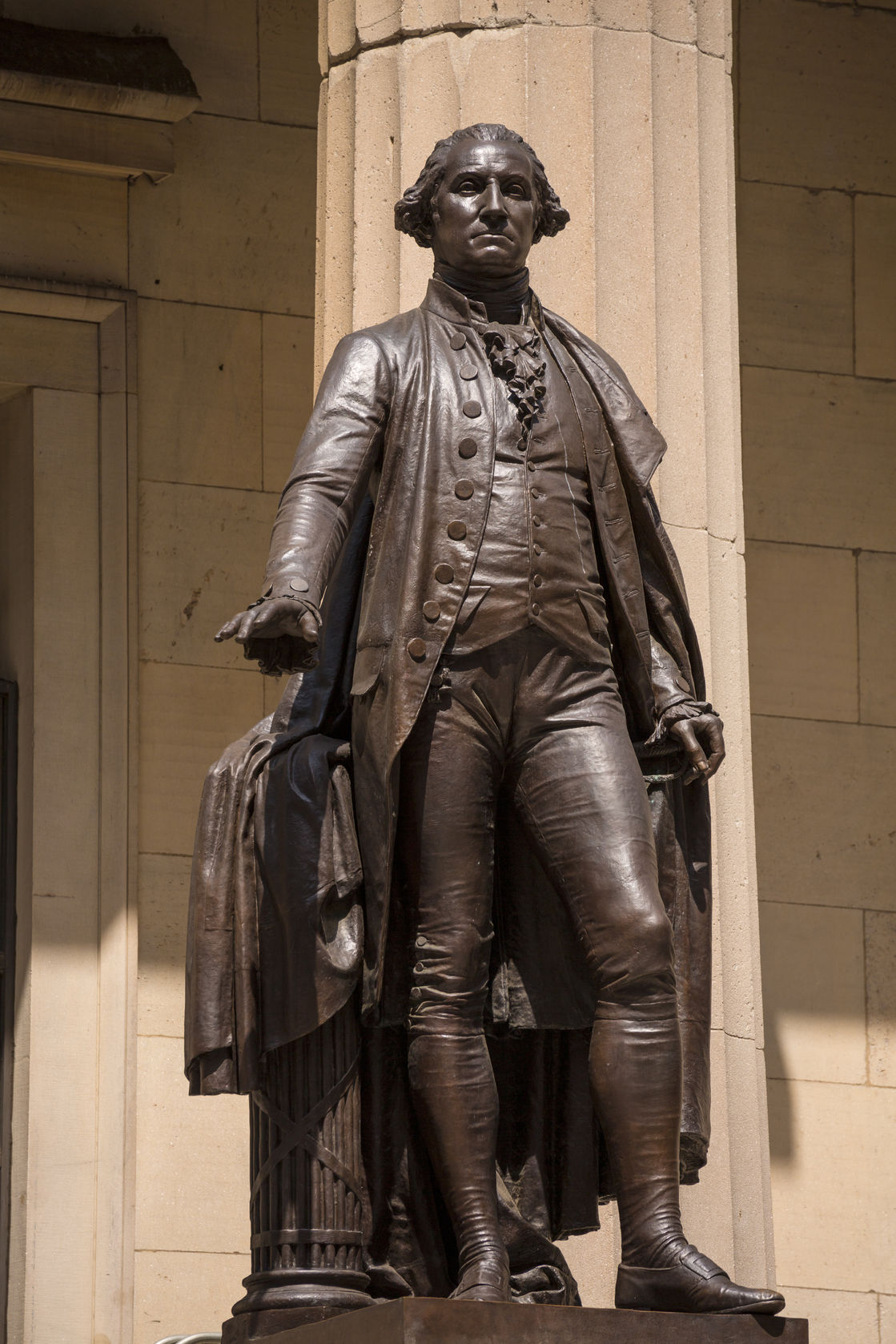george-washington-statue