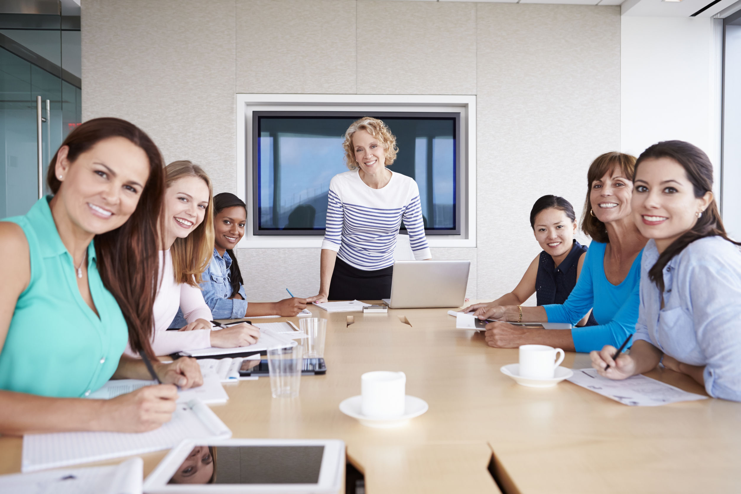 women-business-meeting